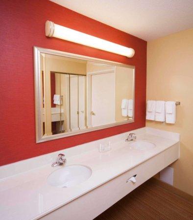 Valdosta, GA: Suite Bathroom
