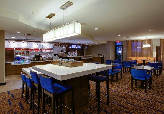 Farmingdale, NY: The Bistro   Dining Area