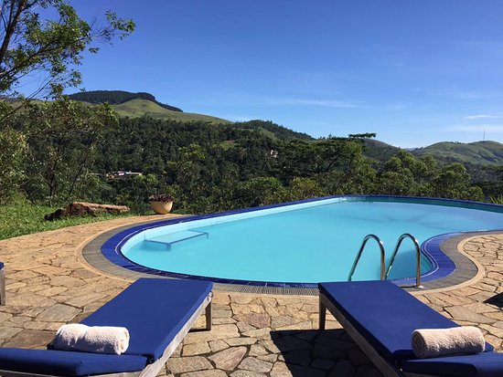 Deltota, Sri Lanka: Glorious views from the pool (with pool house)