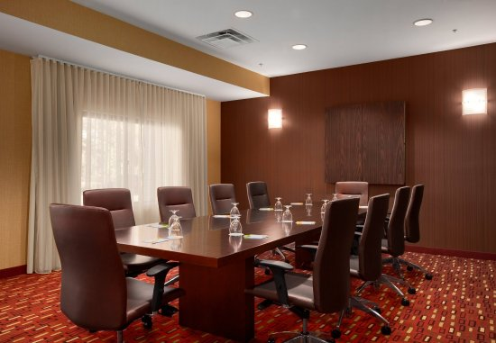 Wall Township, NJ: Boardroom