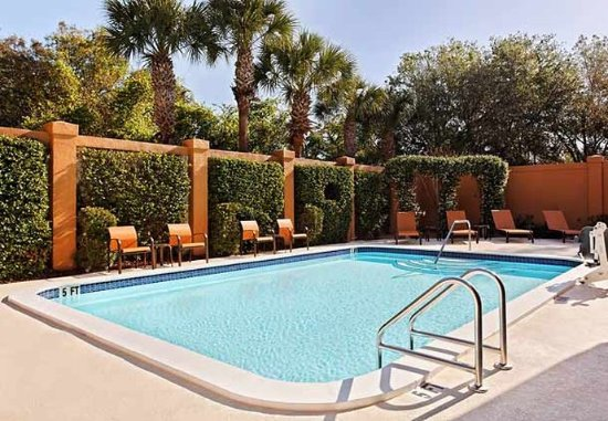 Courtyard Tampa North/I-75 Fletcher: Outdoor Pool