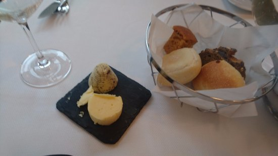 One-O-One Restaurant: Bread selection