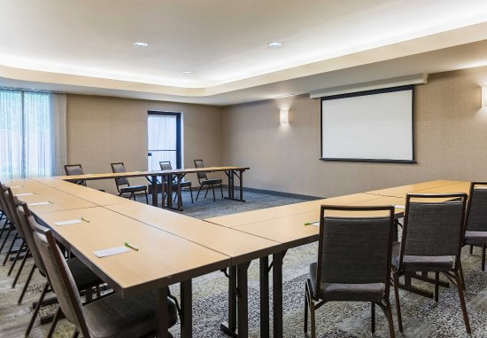 Lincoln, RI: Meeting Room - U-Shape Set-Up