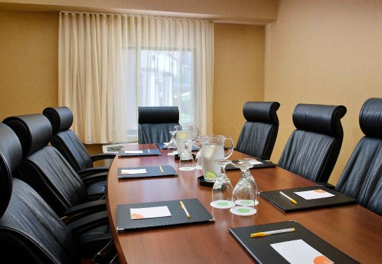 Lake Forest, CA: Boardroom