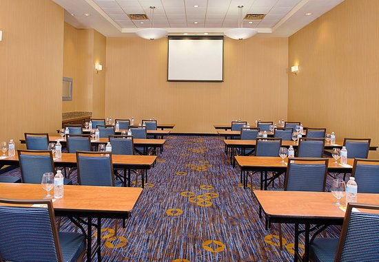 Montvale, NJ: Meeting Room   Classroom Setup