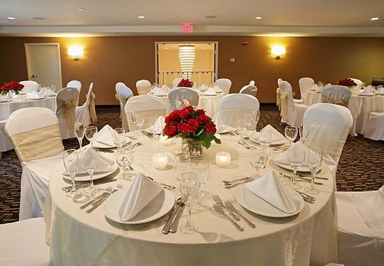 Courtyard Montvale: Wedding Reception
