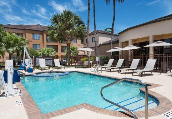 Courtyard By Marriott: Outdoor Pool