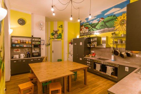 The MadHouse Prague: Kitchen