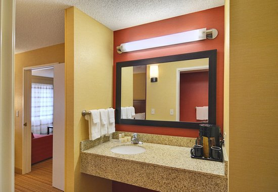 Springfield, OR: Suite Bathroom
