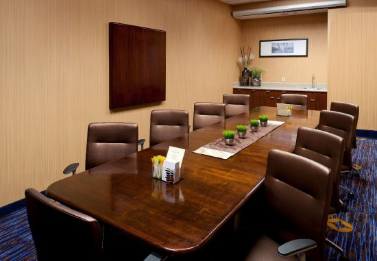 Cypress, CA: Executive Boardroom