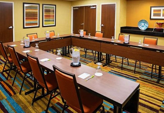 Fairfield Inn & Suites Rochester West/Greece: Meeting Room   U-Shape Setup