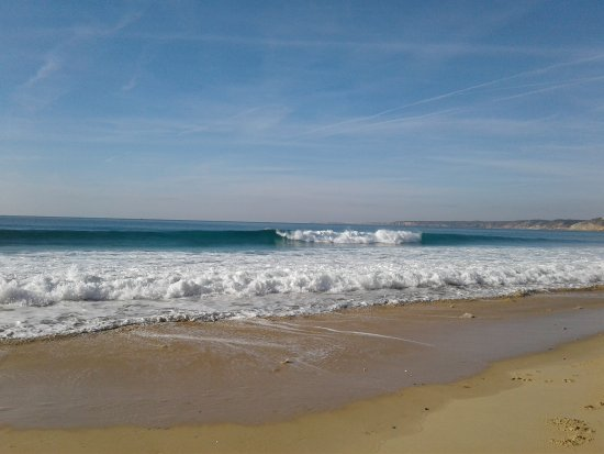 Burgau, Portugal: Surfing in Cabanas velhas beach