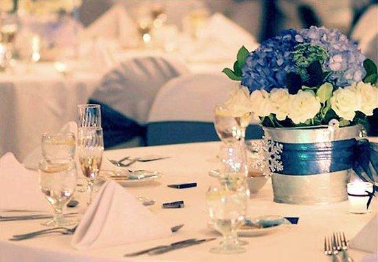 Courtyard Fort Lauderdale North/Cypress Creek: Wedding Table Setting