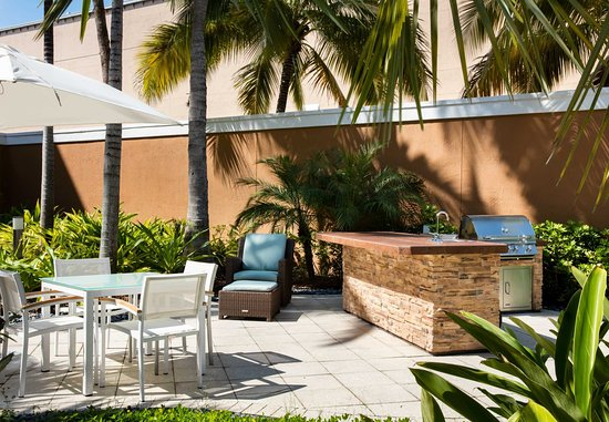 Courtyard by Marriott Miami Aventura Mall: Courtyard Grill