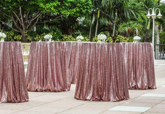 Courtyard Miami Coconut Grove: Poolside Patio - Cocktail Reception
