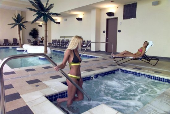 Bay City, MI: Pool and Whirlpool