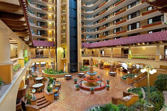 Embassy Suites by Hilton Hotel Kansas City - Plaza