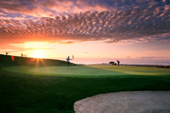 Lanzarote Golf Resort : Sunset at Hole 18