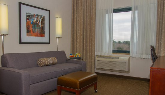 Embassy Suites by Hilton Portland Maine: Couch with snacks