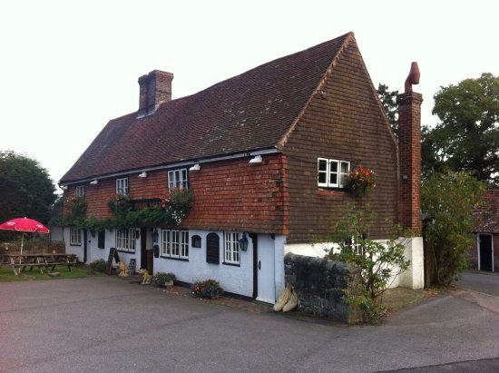 Crowborough, UK: Lovely Old Pub Inside and out!