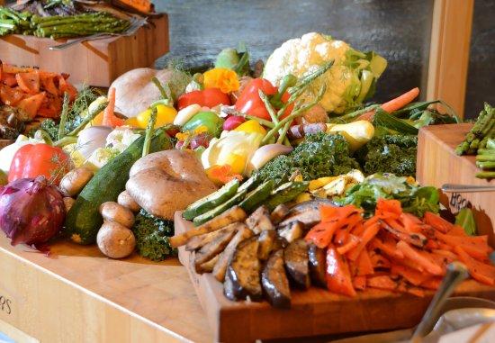 Kingsgate Marriott Conference Center at the University of Cincinnati : Display Station   Grilled Vegetable Platter