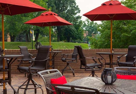 Towson, MD: University Club   Outdoor Patio