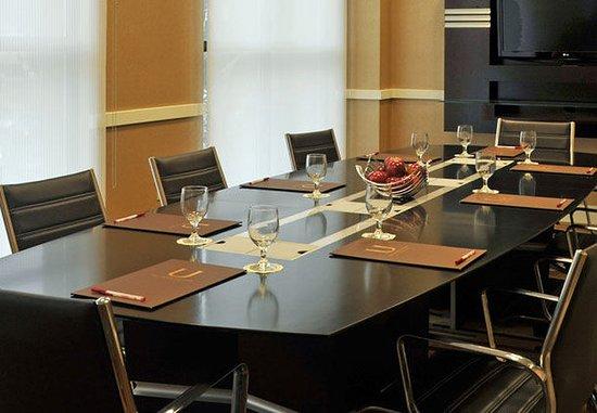 Towson, MD: Executive Boardroom