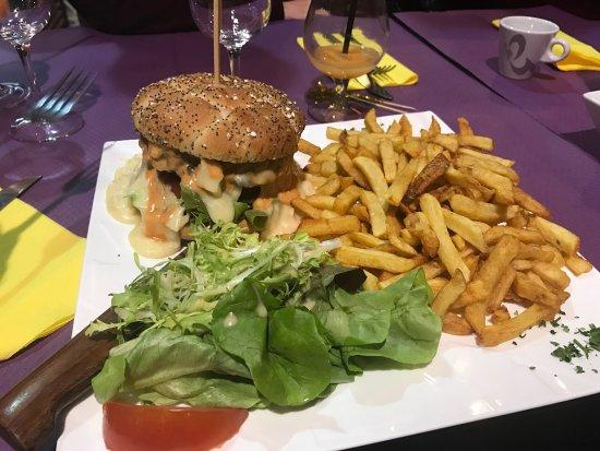 Chelles, France: Hamburger au reblochon