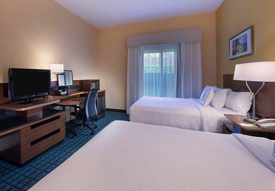 Tifton, Geórgia: Queen/Queen Guest Room