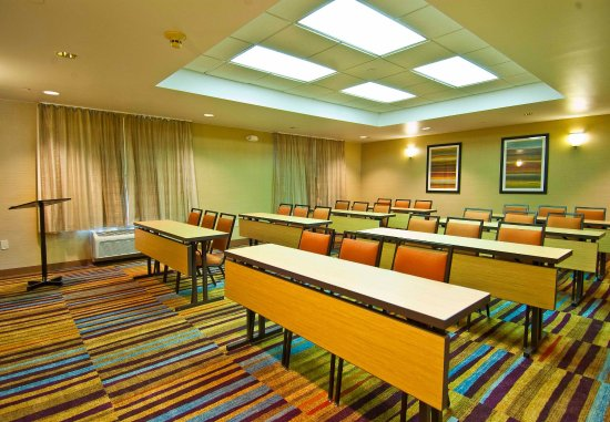 Fairfield Inn & Suites Jackson Airport: Meeting Room