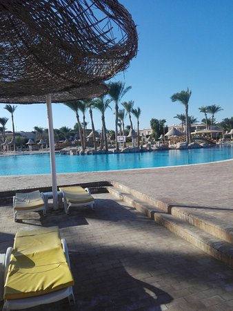 Radisson Blu Resort, Sharm El Sheikh: Main Pool