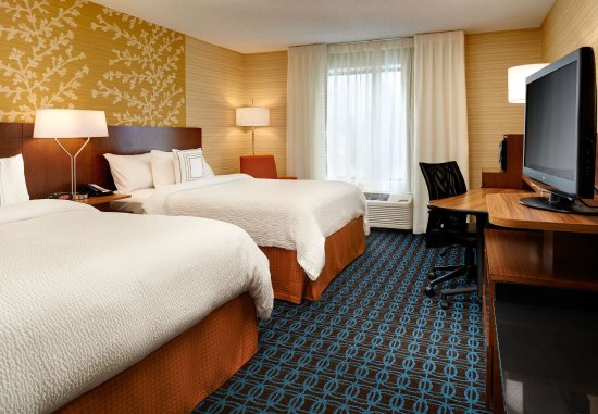 Fairfield Inn & Suites Frankenmuth: Queen/Queen Guest Room