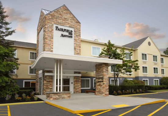 Fairfield Inn Portland Maine Mall: Exterior