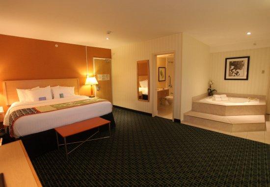 Belleville, Kanada: One-Bedroom Spa Suite