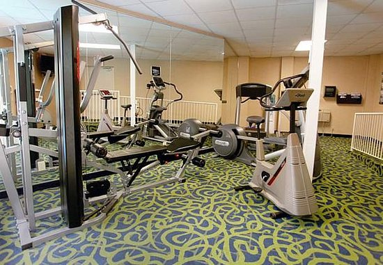 Fairfield Inn & Suites Belleville: Fitness Center