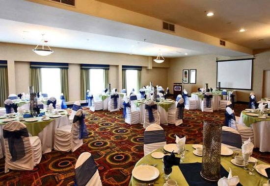 Fairfield Inn & Suites Belleville: Churchill Room