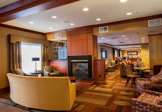 Fairfield Inn & Suites Detroit Livonia : Lobby