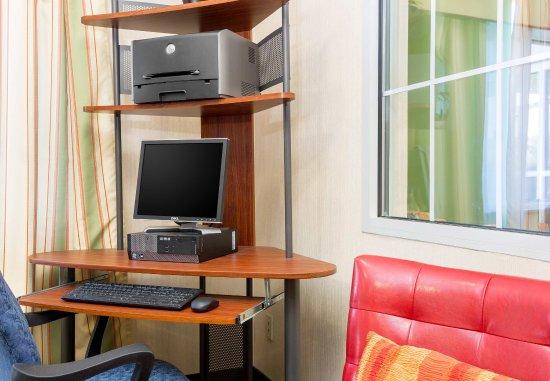 Fairfield Inn Kansas City Independence: Business Center