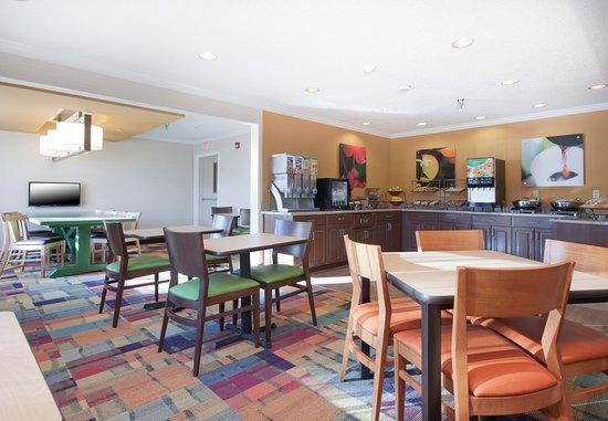 Fairfield Inn Great Falls: Complimentary Breakfast