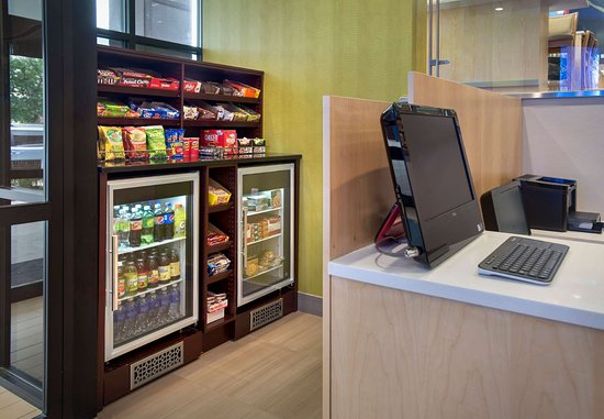 Fairfield Inn New York LaGuardia Airport/Astoria: The Market & Business Center