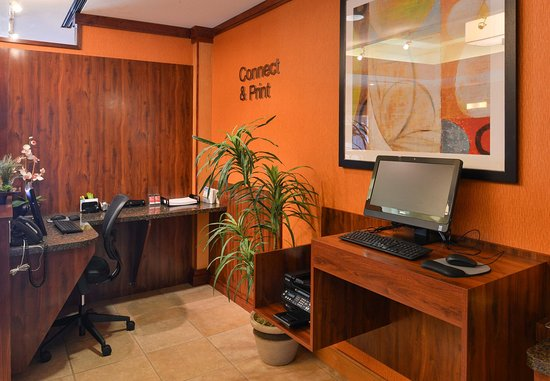 Elk Grove, CA: Business Center