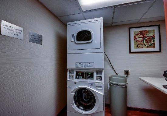 วอลลิงฟอร์ด, คอนเน็กติกัต: Guest Laundry