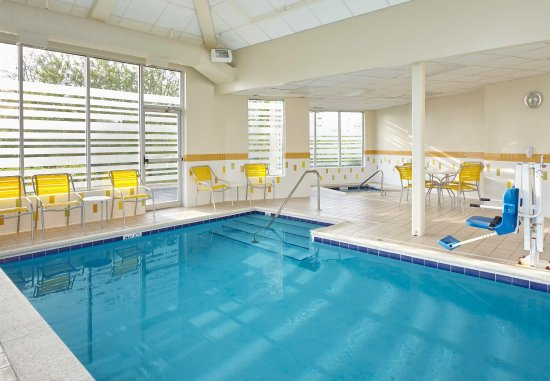 Fairfield Inn & Suites Chicago Lombard: Indoor Pool