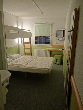 """Ibis Budget Koeln Leverkusen City : Zimmer Nr. 306 (2. Obergeschoss), für bis 3 Personen """"geeignet"""""""