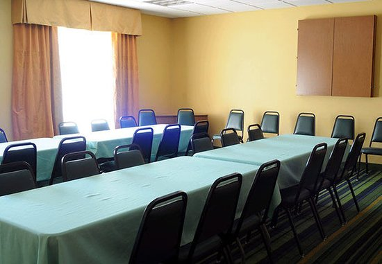 Fairfield Inn & Suites Elizabethtown: Meeting Room
