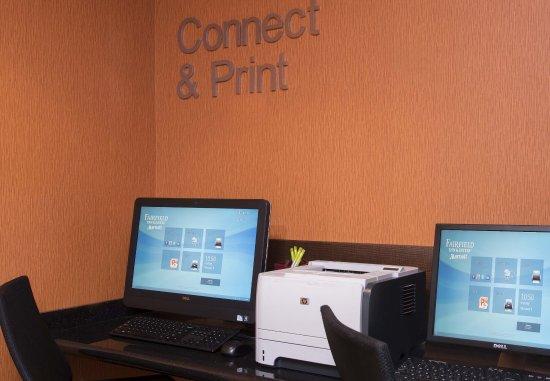 Saint Charles, IL: Business Center