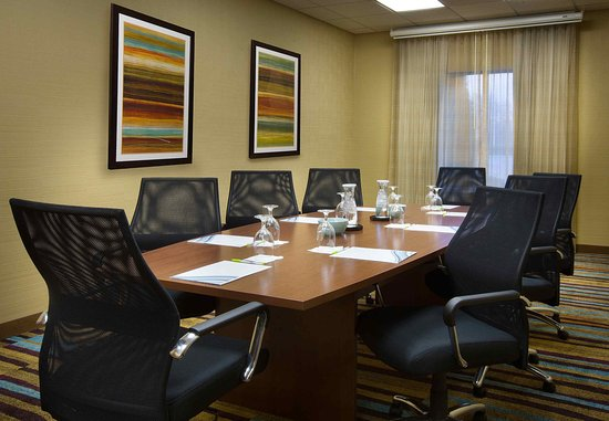 Fairfield Inn & Suites Columbus OSU: Buckeye Boardroom