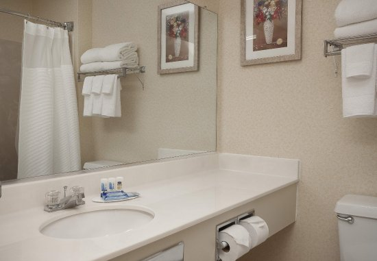 Fairview Heights, IL: Guest Bathroom