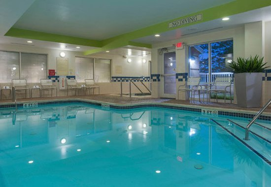 Hazleton, PA: Indoor Pool & Whirlpool