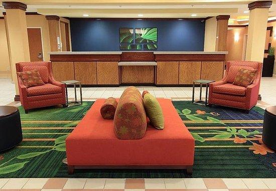 Fairfield Inn & Suites Killeen: Front Desk